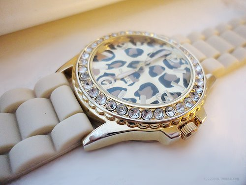 How To Properly Wear Womans Watch