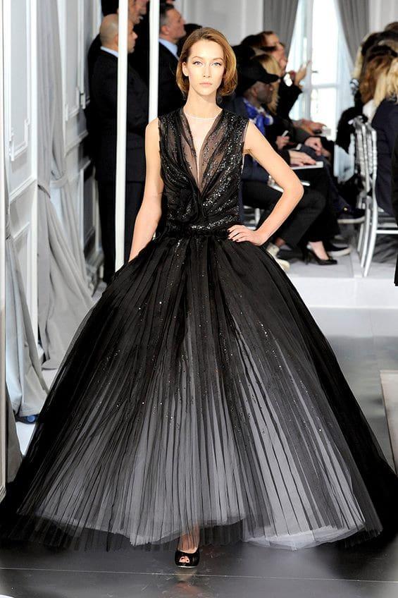 32aa08a7f6 ... 23 Elegant Evening Dresses. Advertisement