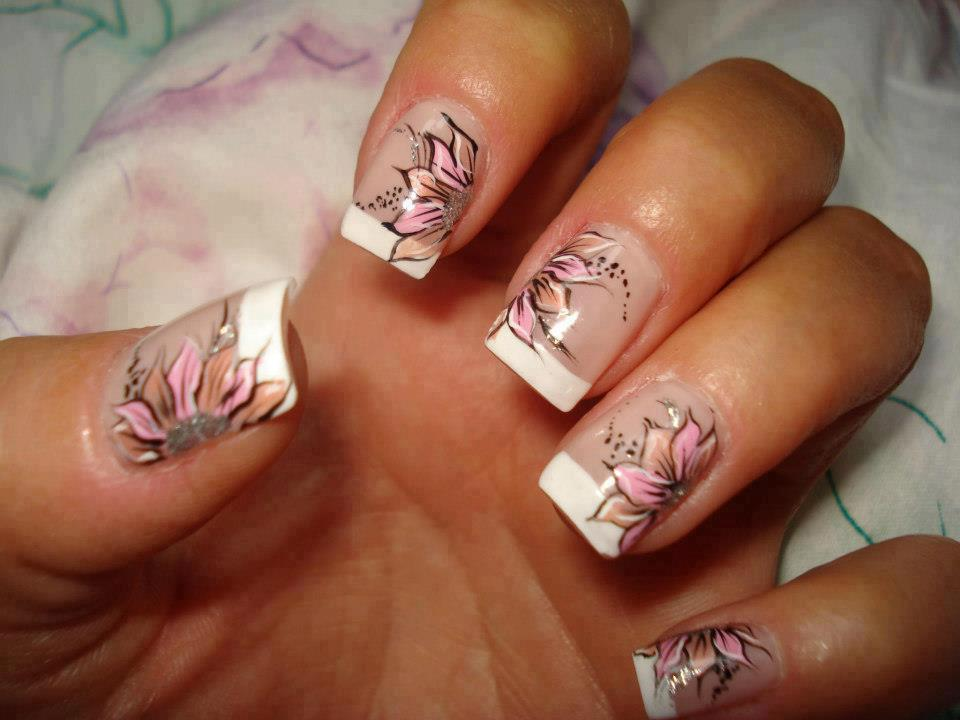 Nail Designs and Nail Art Latest Trends