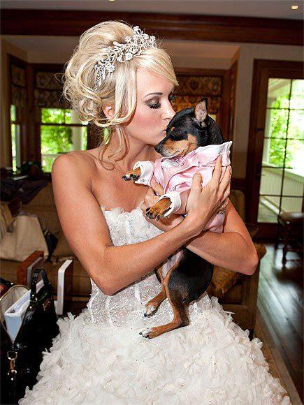 18 Glamorous Wedding Dresses