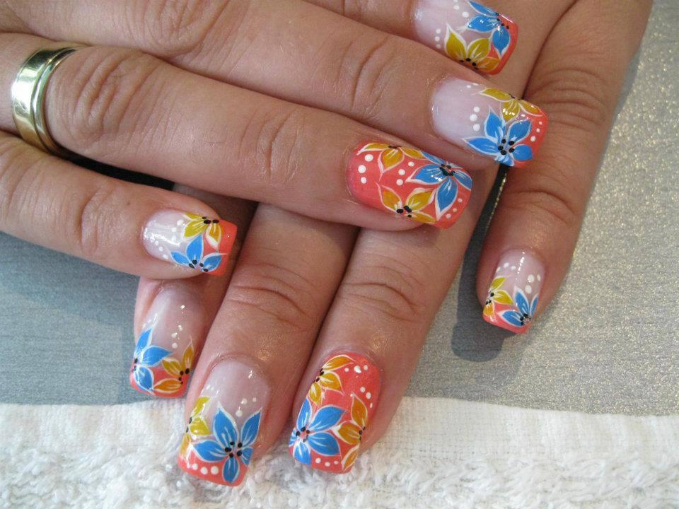 32  Beautiful Summer  Nails Ideas