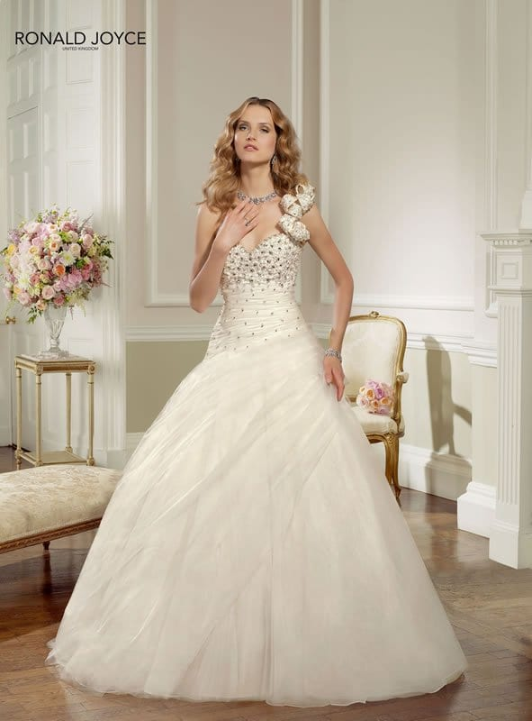 Gallery – The Ronald Joyce 2013 wedding dress collection