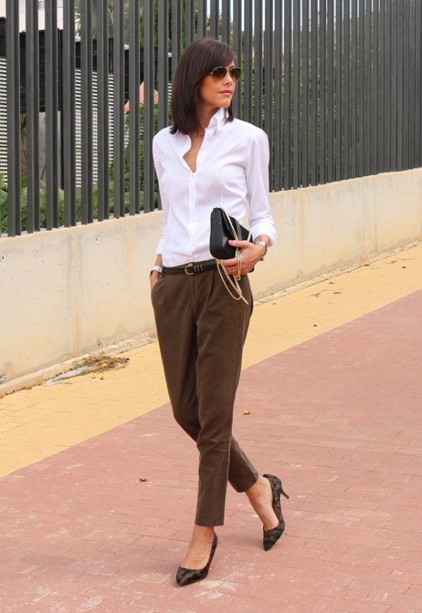 What Is Business Casual Attire For A Woman