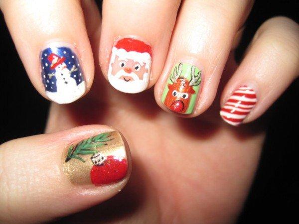 24 Christmas Nail Art Designs