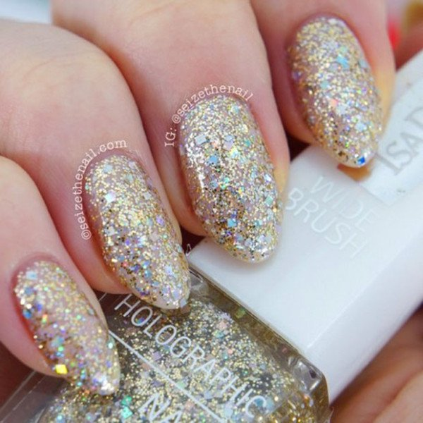31 Attractive Christmas And New Years Eve Nail Art Designs That