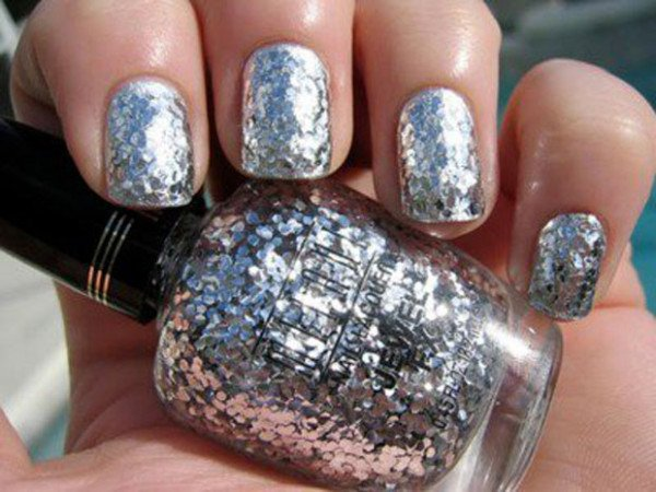 26 New Years Eve Brilliant Nail Art Designs