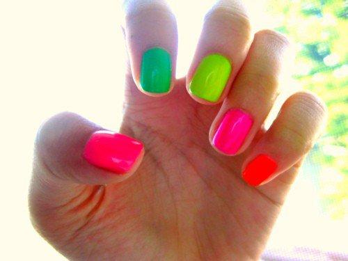 21 Cool Amp Trendy Neon Nail Art Designs