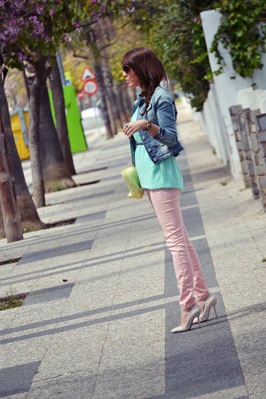 Colorful Pants, Attractive Trend For This Summer