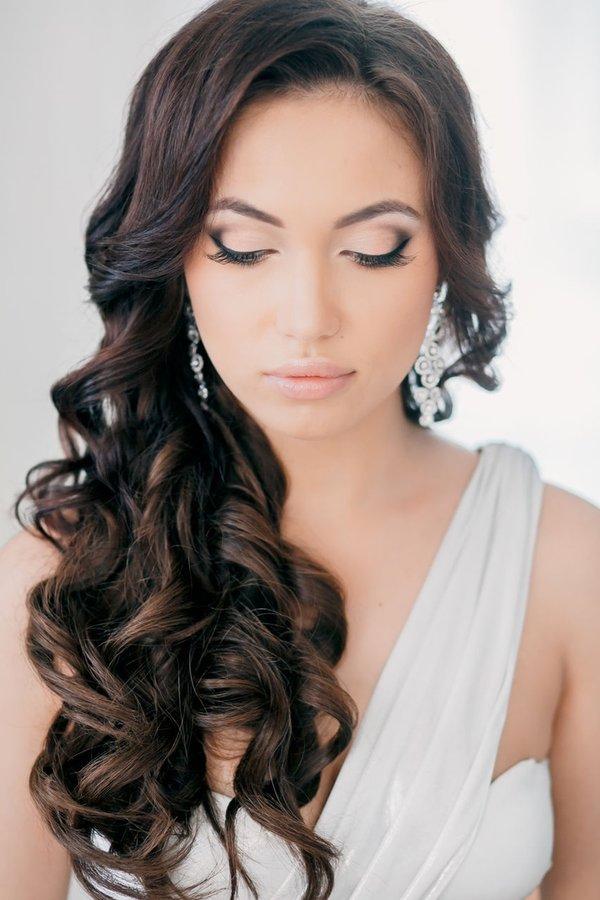 15 BEAUTIFUL WEDDING HAIRSTYLES FOR LONG HAIR
