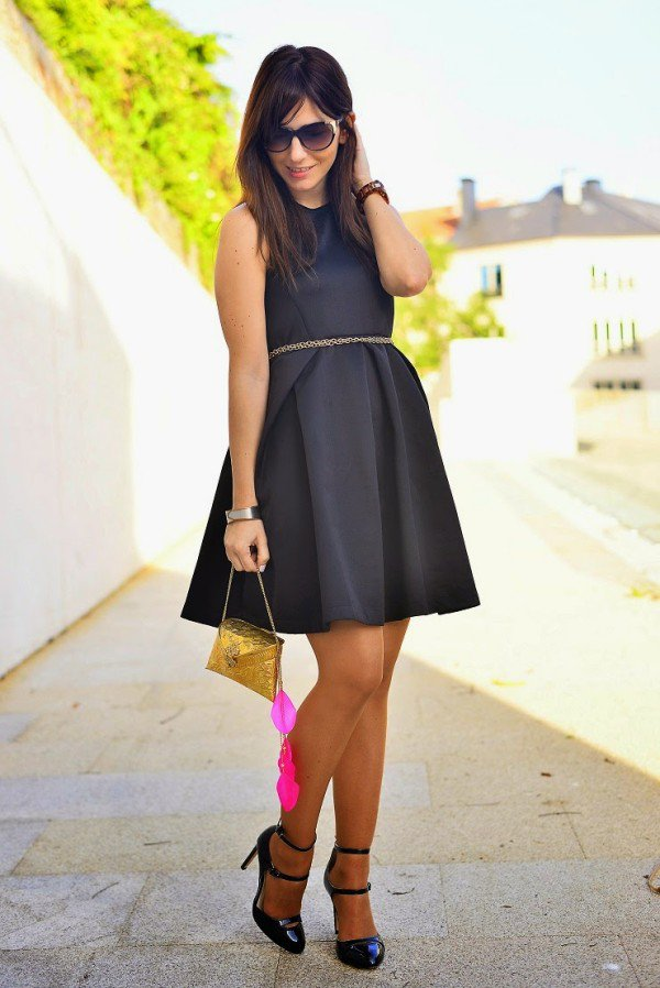 BEAUTIFUL SHORT ELEGANT BLACK DRESSES