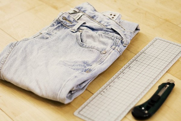 15 Fashionable DIY Ideas For Making Fantastic Jeans
