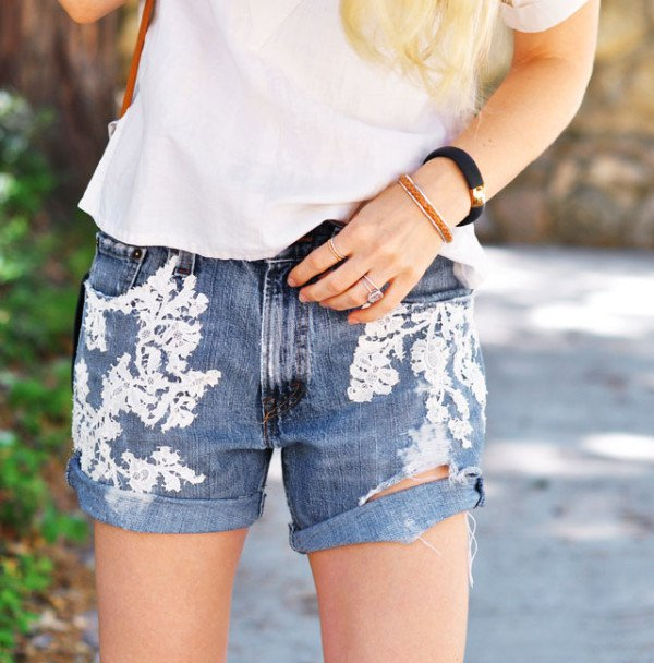 12 Awesome DIY Ways To Refresh Your Denim Fashion Pieces With Lace