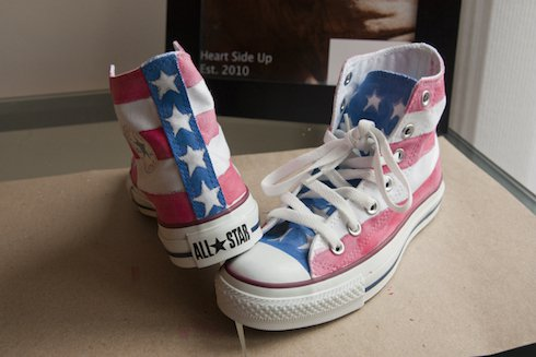 79c4f08c5a66 8 Awesome DIY Converse Makeovers
