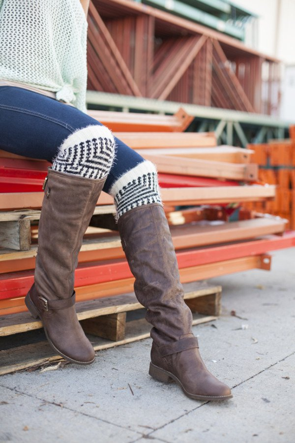 8 Clever and Genius DIY Ways To Make Leg Warmers