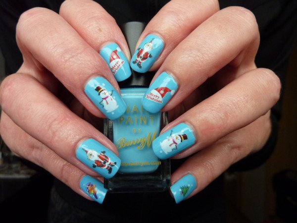 14 Unique Christmas Nail Design For More Enjoyable Holidays