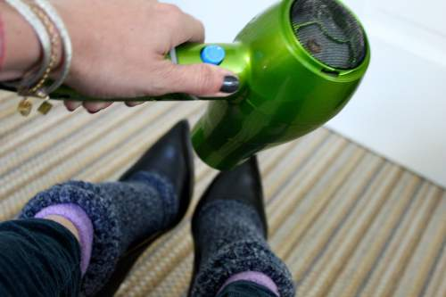 Fashion Emergency    Use These 17 Useful Hacks To Save The Day