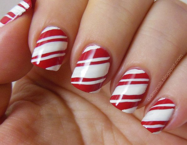 11 interesting designs for your Christmas nails