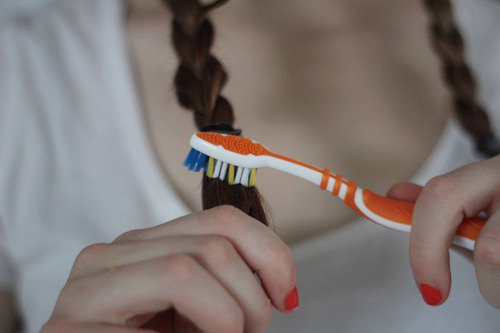 16 Extra Useful Ways To Use Toothbrush And Improve Your Style