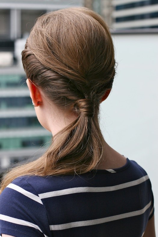 14 einfache Schritt für Schritt Anleitungen für eine perfekte Frisur in wenigen Minuten