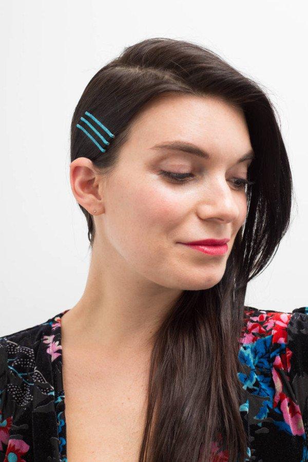 15 prachtige Bobby Pin-kapsels die u gemakkelijk in een paar minuten kunt doen