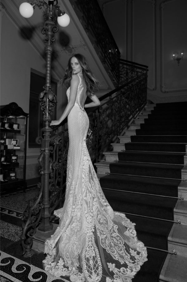 30 Surprisingly Unique Wedding Dress For The Most Glamorous Wedding Party Ever