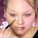 The Power Of Makeup This Woman Give Herself 5 Dramatic Makeup Looks in 2 Minutes