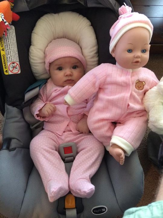 15 Adorable Babies Who Has Similar Look Just Like Their Toy Dolls