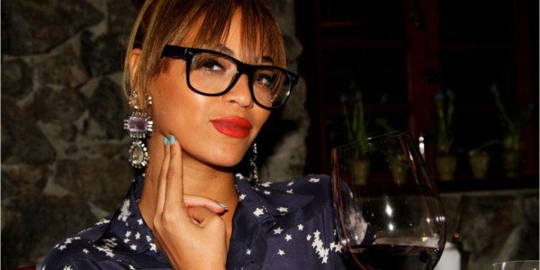 14 Problems Only Girls Who Have To Wear Glasses Understand