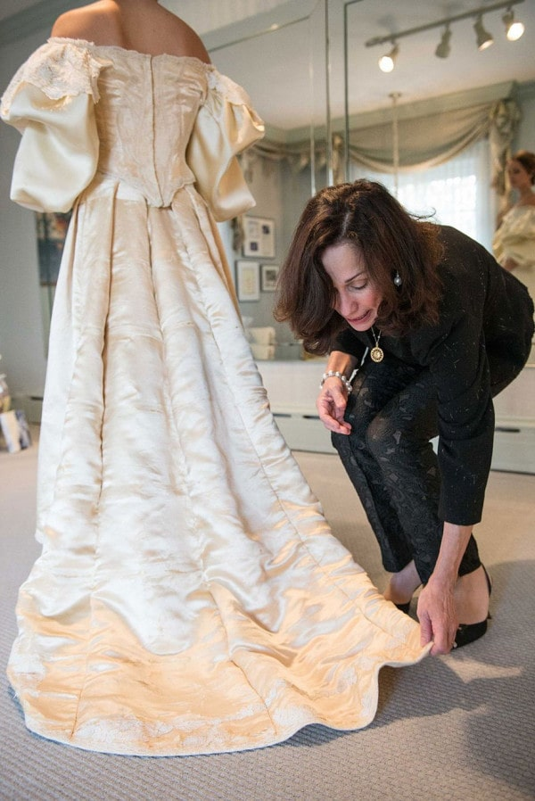 From Generation to Generation: Bride Wearing 120 Years Old Wedding Dress Which Has Been Worn By 10 Women In Her Family