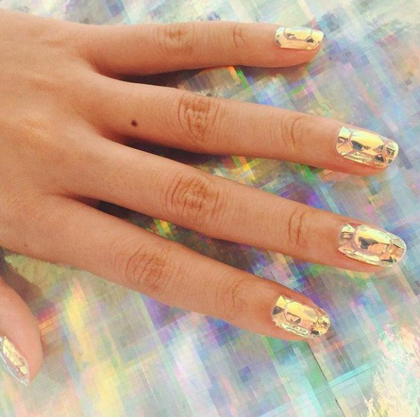The New Gorgeous Nail Designs Trend Broken Glass That Will Make You Nervous About Wiping Yourself