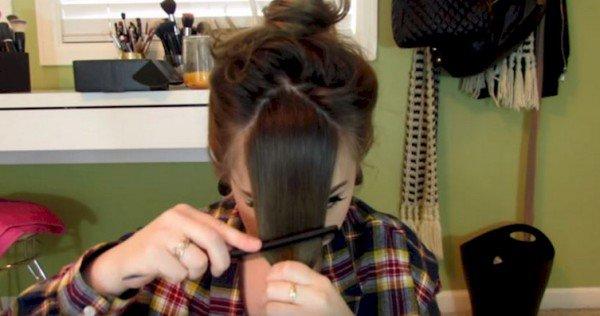 Auf den ersten Blick war dies eine verrückte Möglichkeit, ihren Pony zu schneiden, aber beobachten Sie, wie sie ihr Haar zerteilt. Das ist Genie!