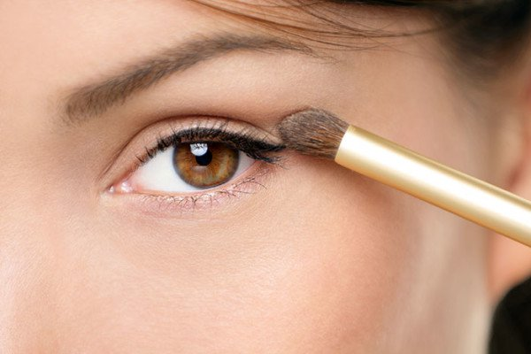 16 DIY Beauty and Makeup Tricks You Wish You Knew Before