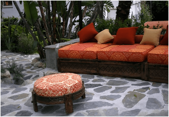 Welcome Summer with Cooling Home Décor Ideas