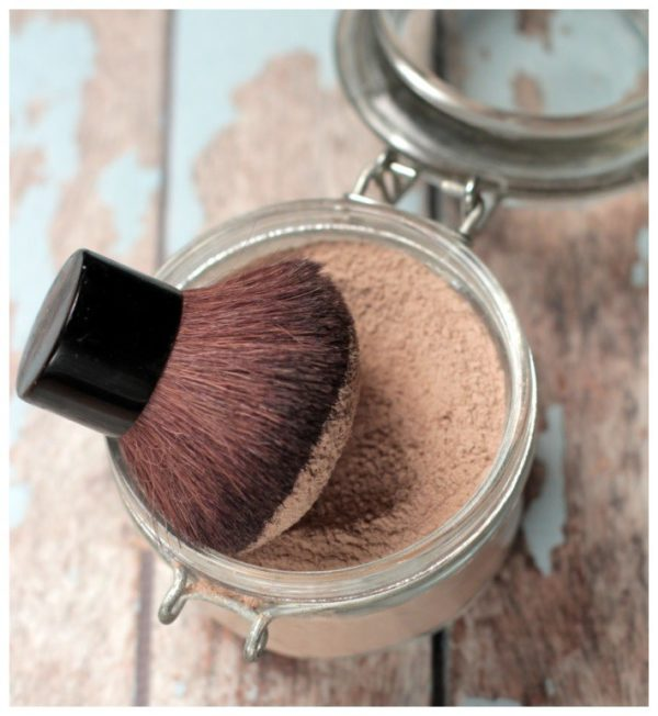 8 Adorable Homemade Makeup Hacks That Are Definitely Worth Trying