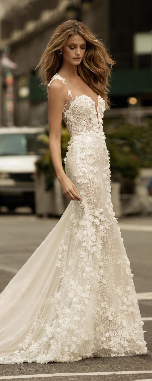 Berta Bridal Fall 2017 Collection: From Flower's Inspiration To Sexiest Wedding Dresses