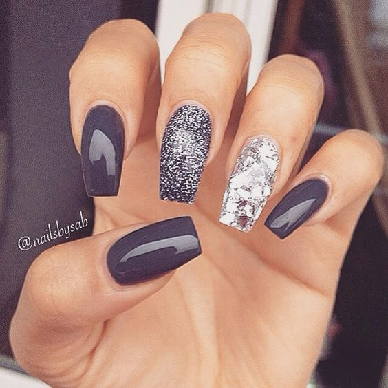 Shine And Super Styled Nails: How To Decor Your Nails For The New Year's Eve