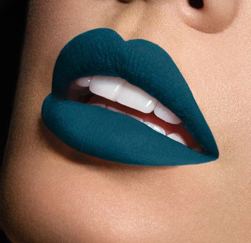 Unusual Lipstick, Colors That Became Trendy This Season
