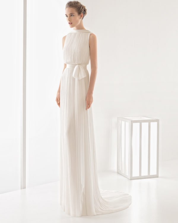 A Modern Minimalism In The New Spring Bridal Collection by Rosa Clara