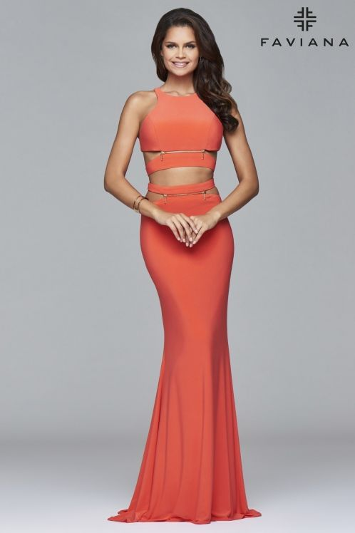 Top 25 Two Piece Dresses To Shine On Your Prom Night
