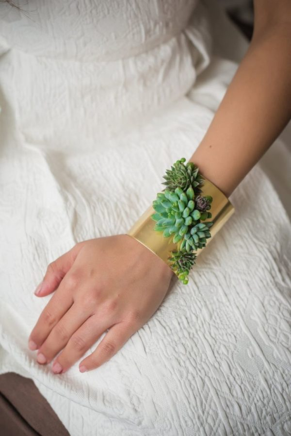 Take It To The Next Level! 12 Great Ideas For Jewelry Made From Live Succulents