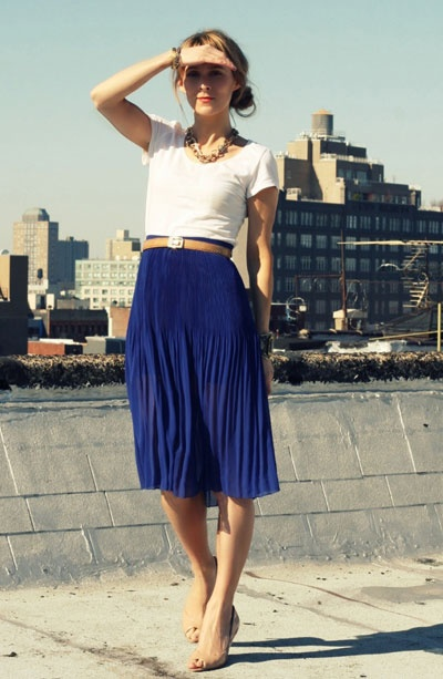 Pleated Skirt Combinations For An Eye Catching Outfit