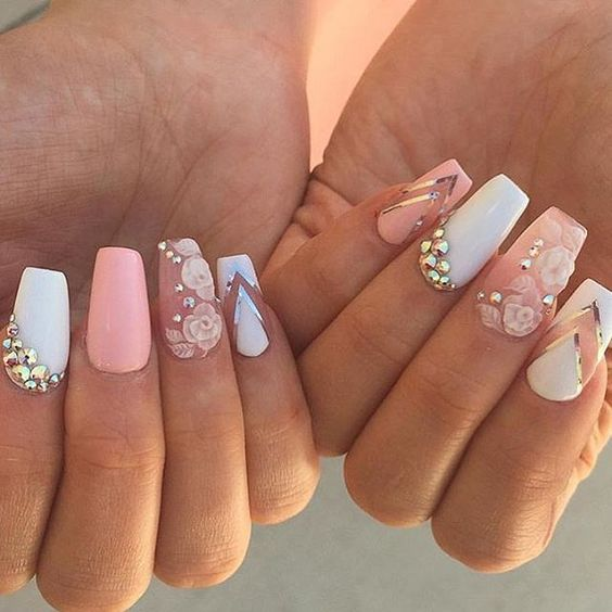New Nails Art Fashion Trend: 3D Nails For Sophisticated And Rich Look