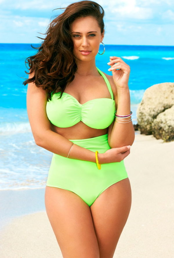 Modern Plus Size Woman Swimsuits To Walk Confidently Down The Beach