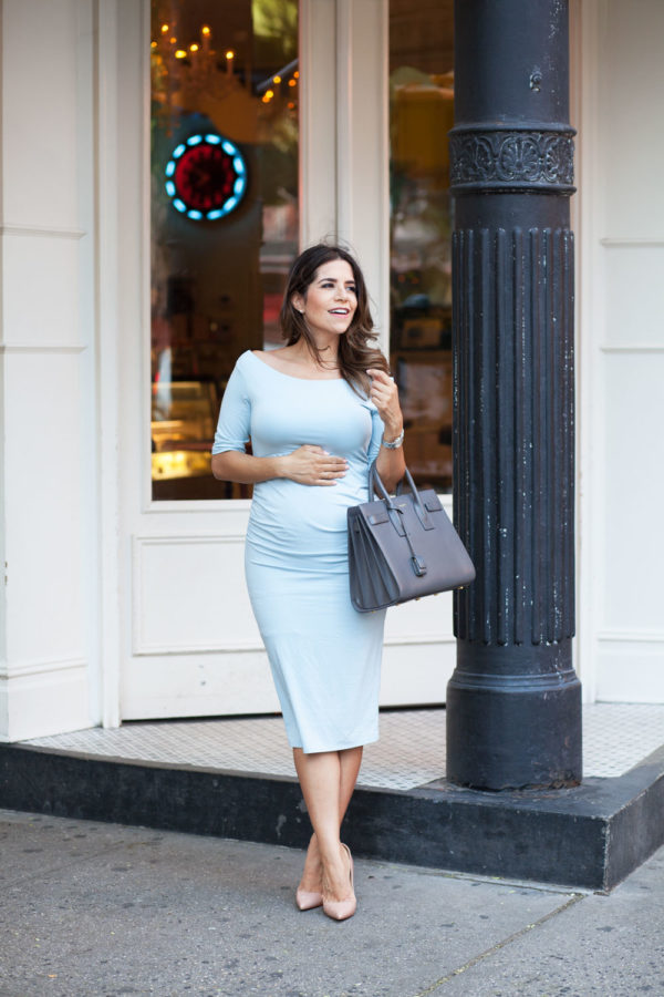 Maternity Work Outfits For Modern And Stylish Moms To Be