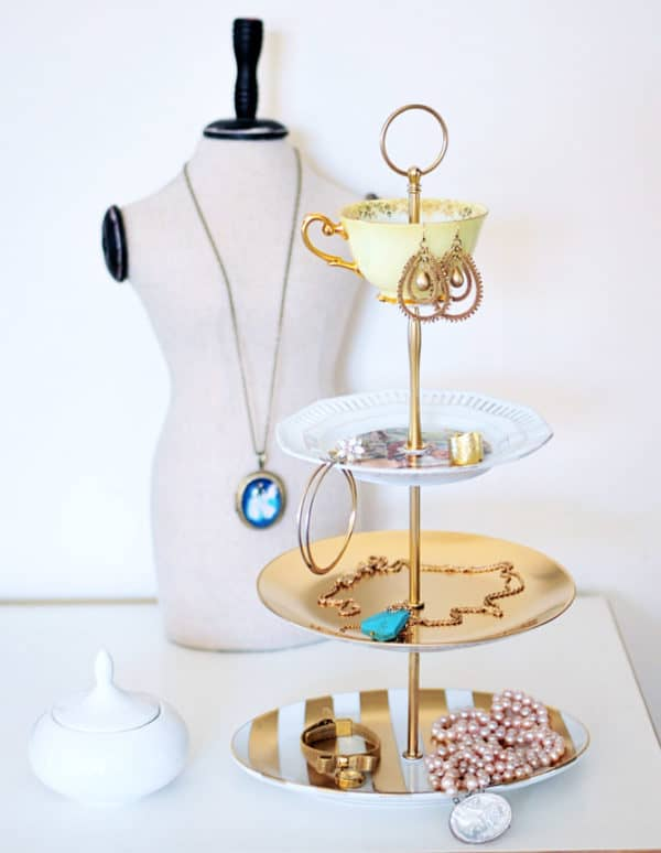 Super Practical DIY Jewelry Holders That You Should Copy Now