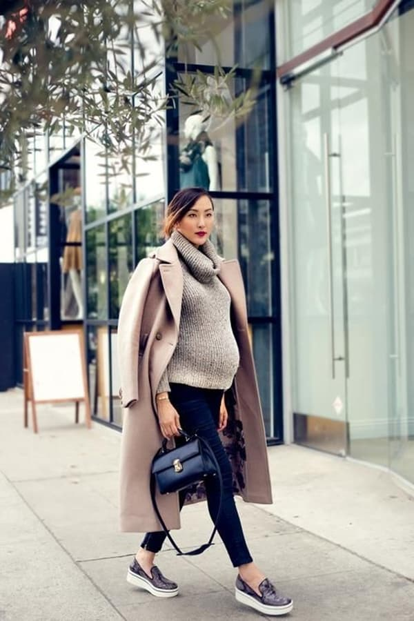 Winter Baby Bump Outfits That Will Keep You Warm