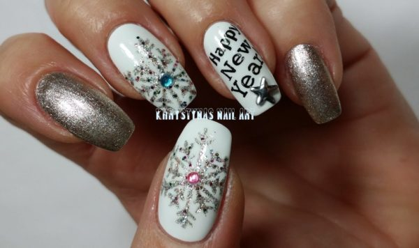 Last Minute New Year Manicures That Will Get You Looking Amazing