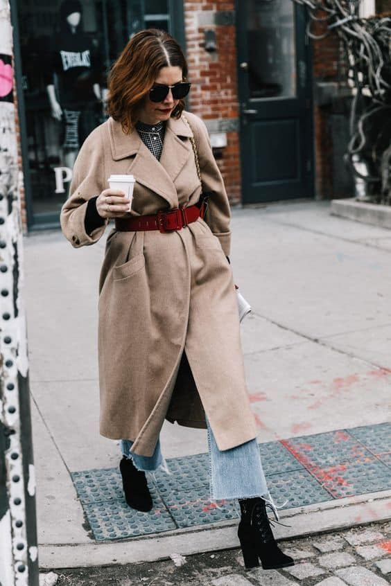 Belt Over The Coat Outfits To Wear This Winter