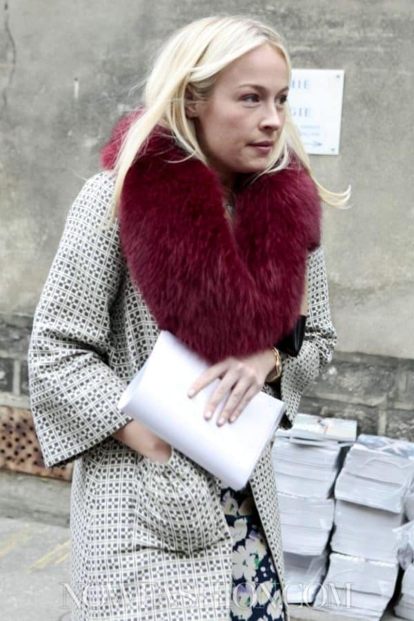The Best Ways To Style Faux Fur Scarf In Your Winter Outfit