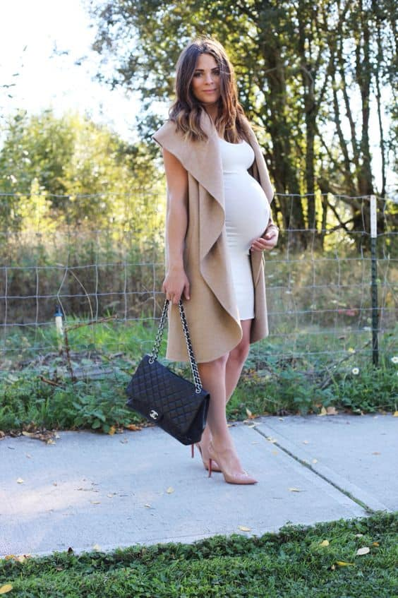 Stunning Maternity Work Outfits That Will Help You Style Your Bump